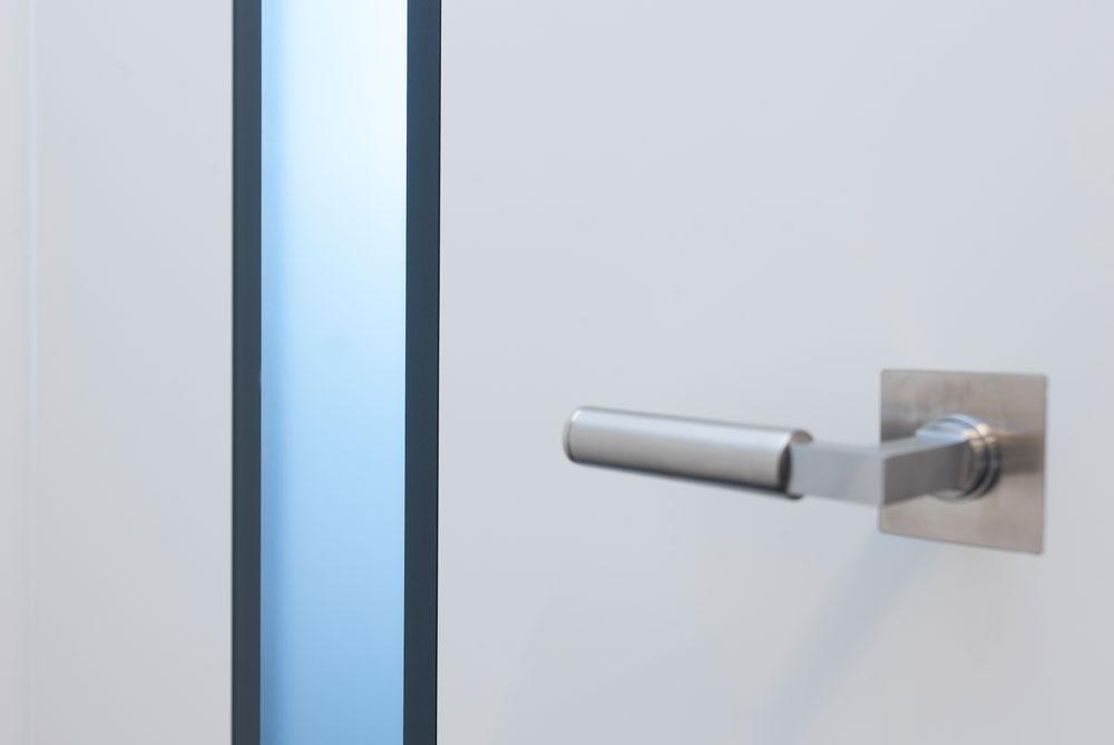 modulWERK 3.0 - flächenbündige Verglasung FG 10, Glas Parsol grau transluzent lackiert